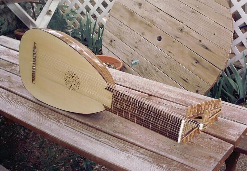 Alaúde - Instrumento musical árabe
