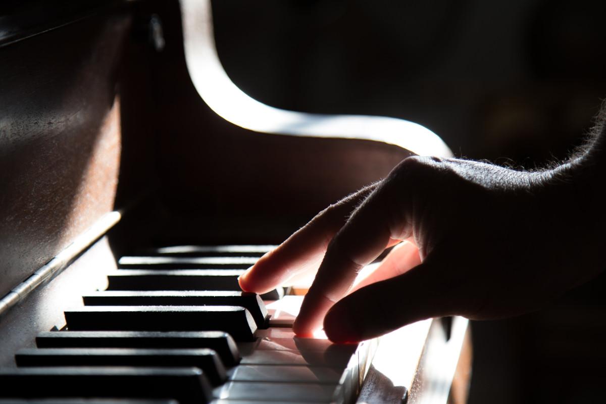 piano para iniciantes - Gravar música com piano elétrico
