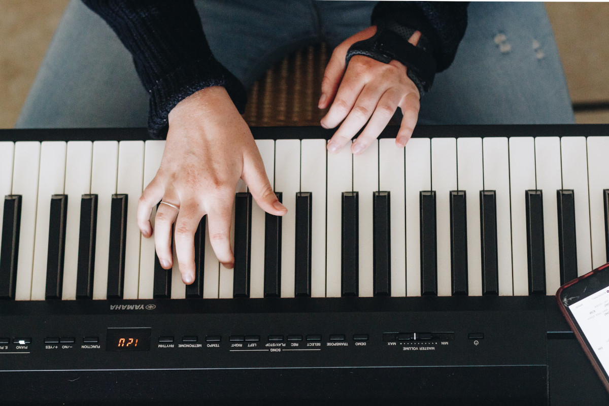 teclado para iniciantes - Gravar música com piano elétrico